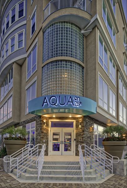 Aqua On 25Th Long